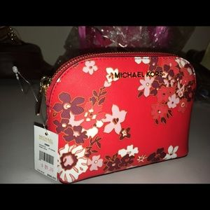 Micheal Kors travel pouch